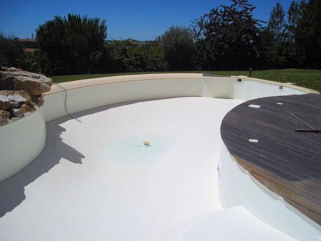 Application 5 r novation rev tement piscine polyester for Revetement piscine polyester
